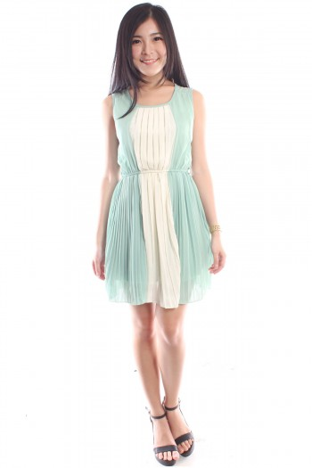 Colour-Block Pleated Dress