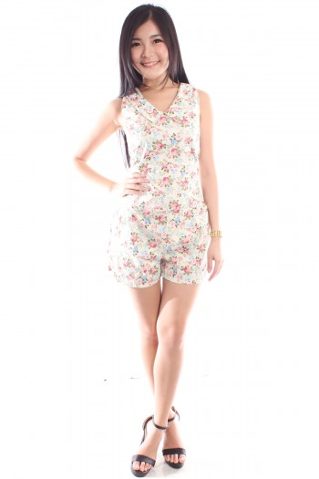 Sharp Collar Floral Romper