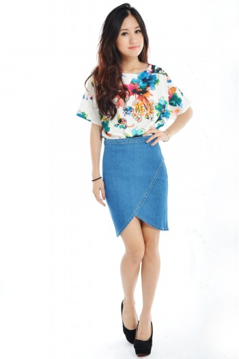 /1654-7026-thickbox/floral-top.jpg
