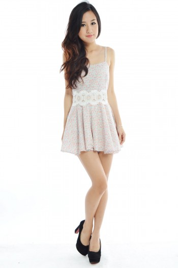 /1696-7202-thickbox/crochet-floral-pleated-romper.jpg