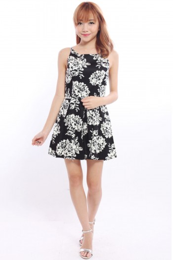 /1801-7609-thickbox/monochrome-floral-pleated-playsuit.jpg